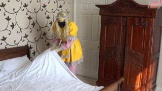Cuckold Making The Bed
