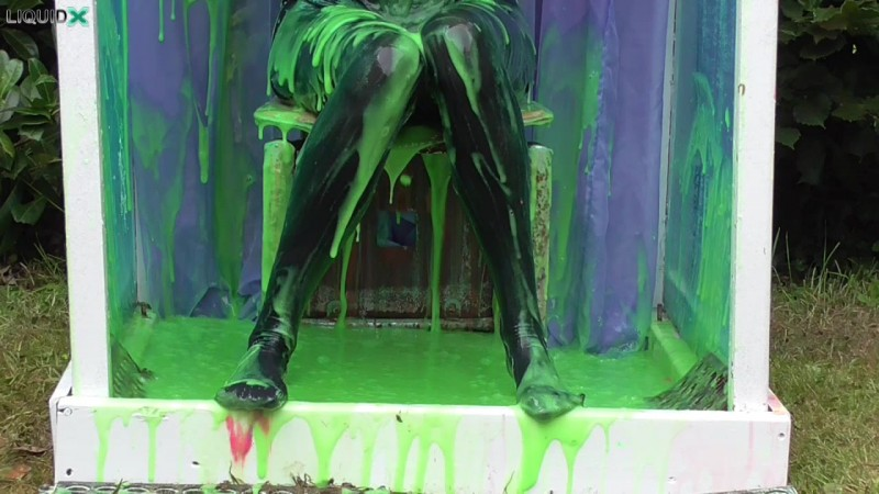 Janey Gunged in Black Tights