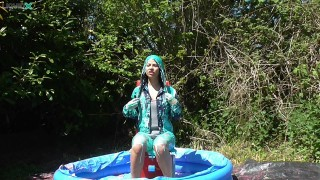 Jessica Gets Messy in Pool