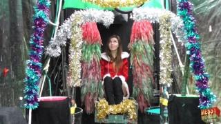 Chloe's Christmas Gunge Gift in 'The Human Carwash'
