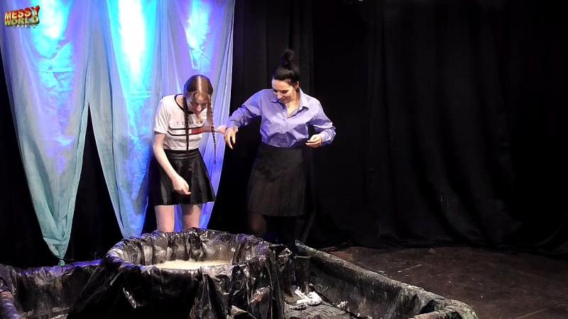 Glue Tub with Issy Hayes