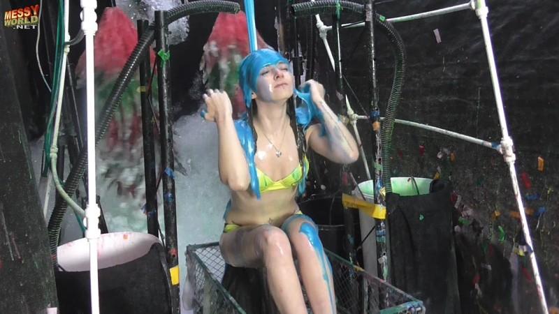 Human Carwash: Chloe in Bikini