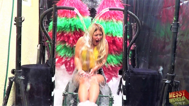 Human Carwash: Lucy Gets Voted