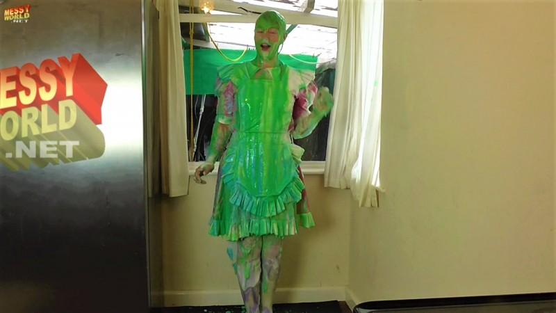 Human Carwash: PVC Maid Kerri