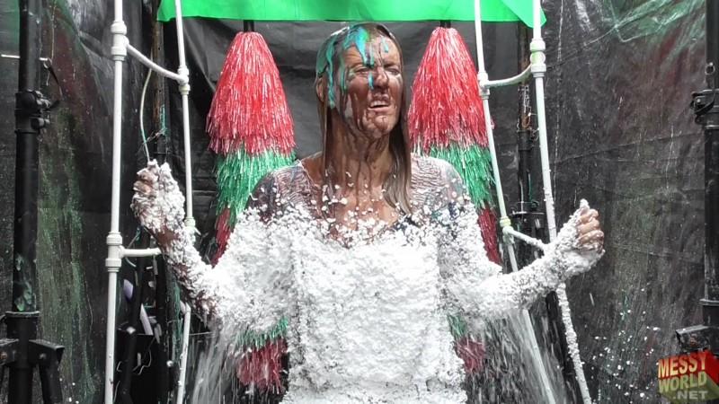 Human Carwash: Secretary Demonstration