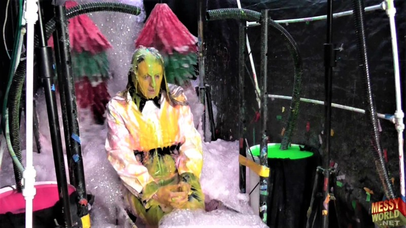 Human Carwash: Viewers Vote for Michaela!