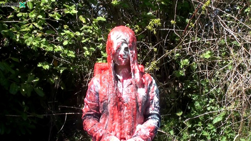 Jessica Gets Messy in the Park: Part 1