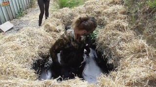 Lisa & Louise; The Rivals - Series 3, Ep.1 - The Mudpit with Rachel